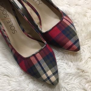 SOLE SOCIETY plaid holiday wedges, size 9